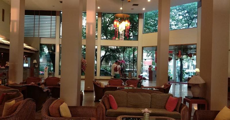Холл при входе в отель