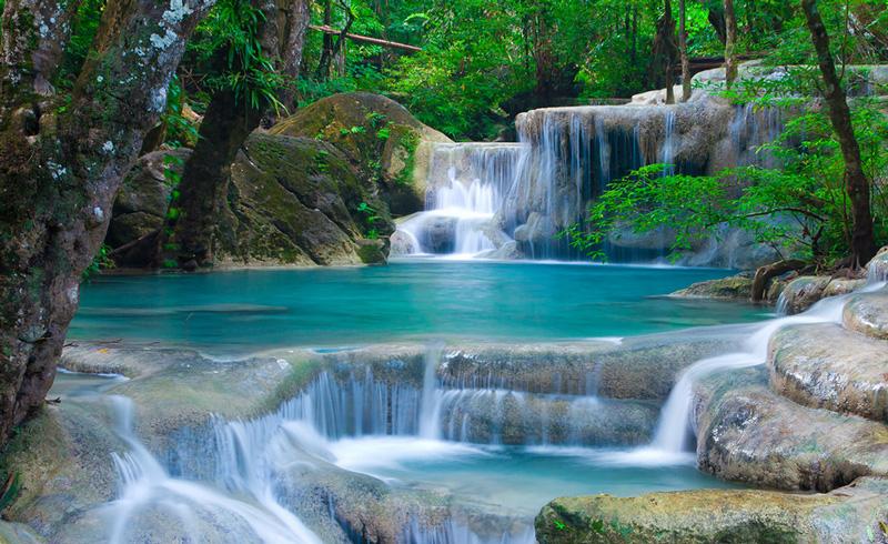 Водопад в парке Эраван Канчанабури
