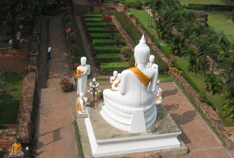 Гигантский Будда в Сукхотай