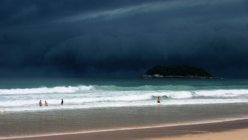 Сезон дождей на побережье Таиланда