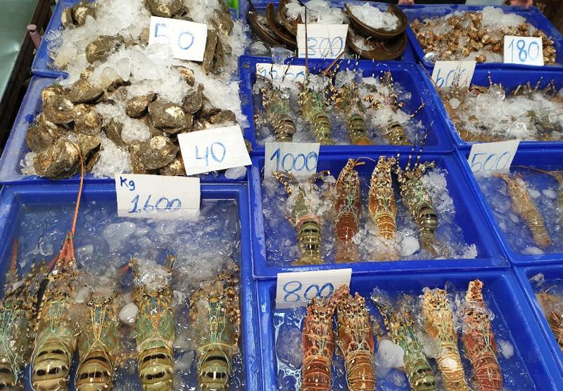 Крабы омары в Паттайе