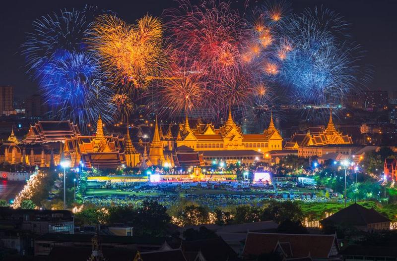 День рождения королевы Таиланда 12 августа