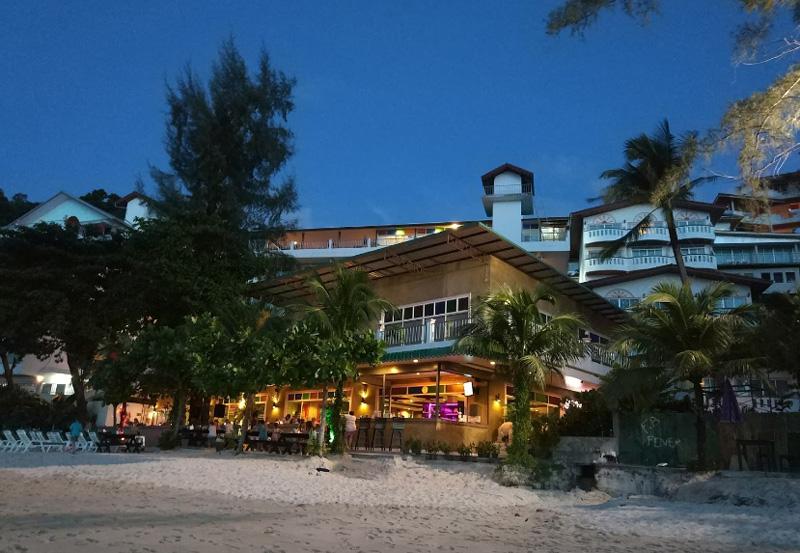 Пляж в вечернее время