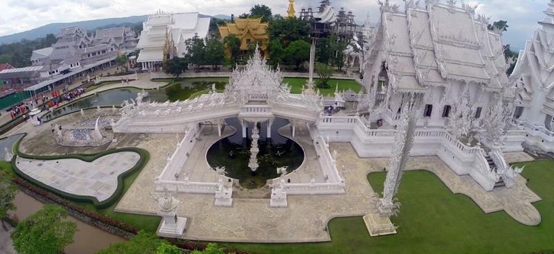 Храмовый комплекс Ват Ронг Кхун