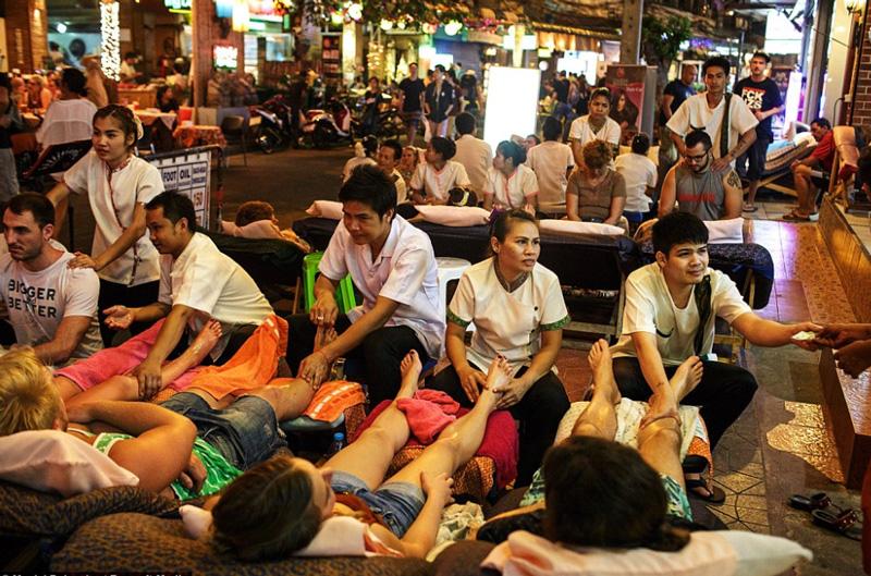 Тайский массаж стоп в Таиланде