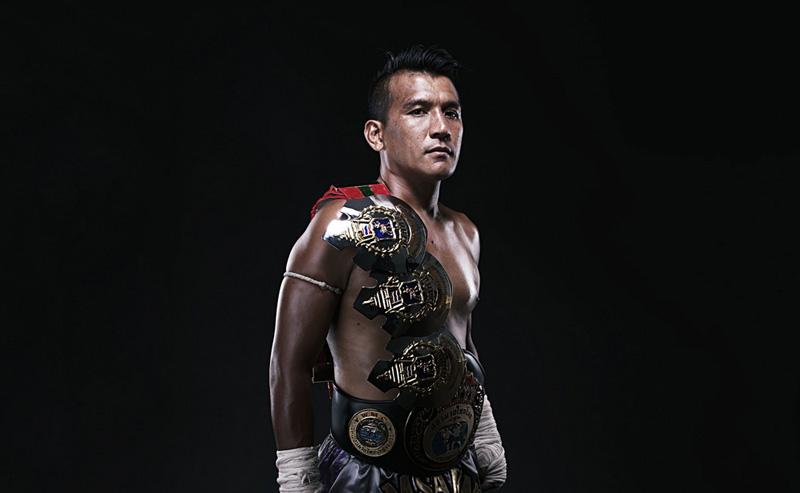 Чемпион мира по тайскому боксу Самарт Паякарун