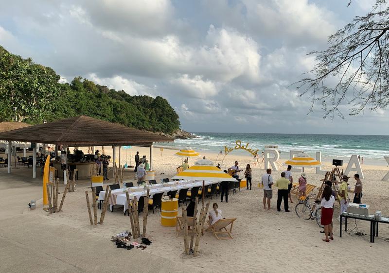 Рестораны на пляже в отеле le meridien phuket beach resort