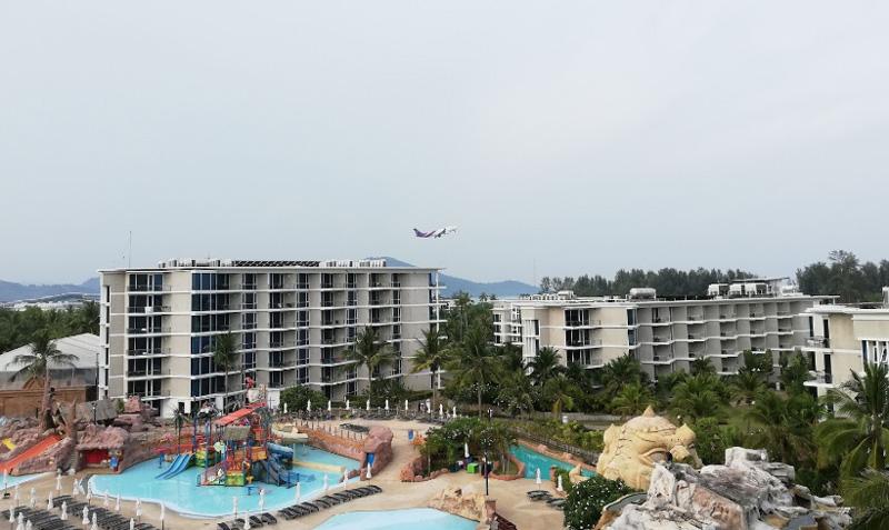 splash beach resort phuket 5