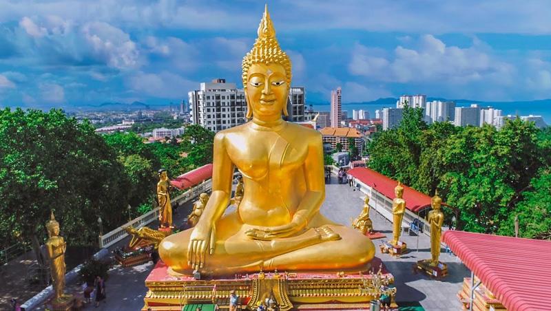 Большой Будда на Пратамнаке