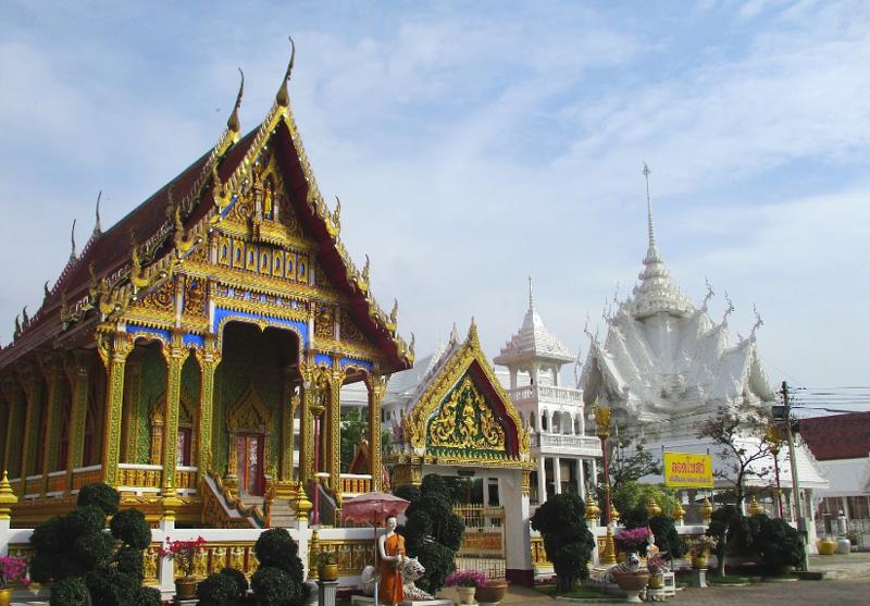 Белый храм в Паттайе Ват Нонг Яй