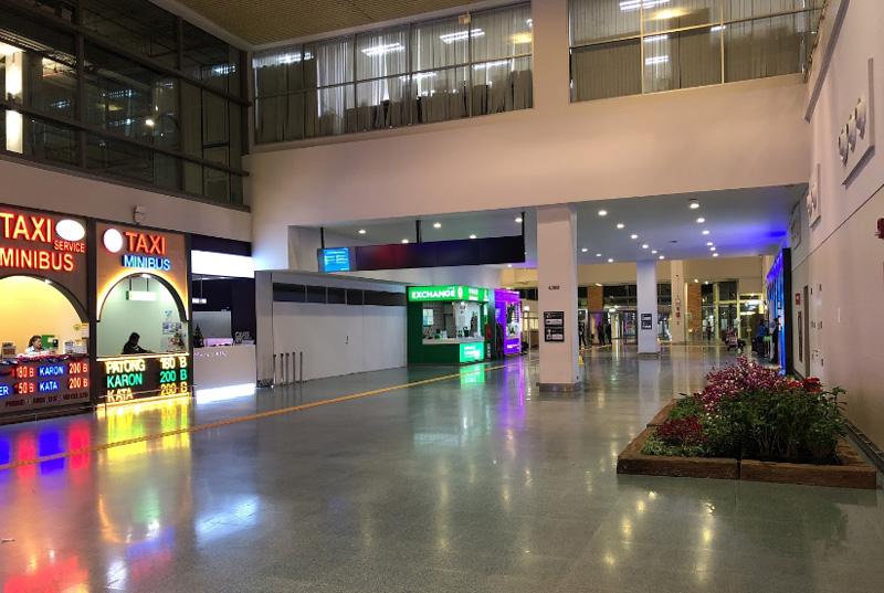Первый этаж аэропорта Пхукет