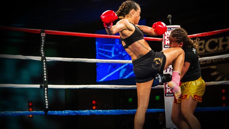Девушки в тайском боксе