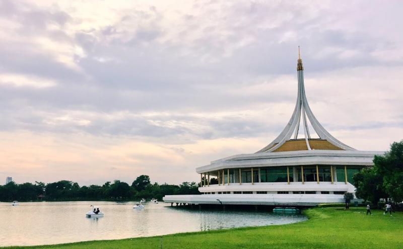 Парк Рамы 9 в Бангкоке