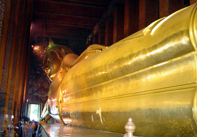 Большой лежачий Будда Бангкок