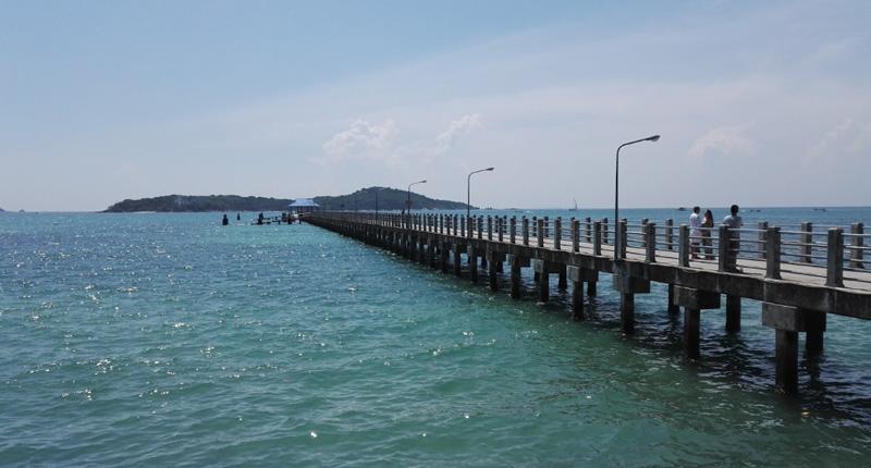 Пирс пляжа Равай