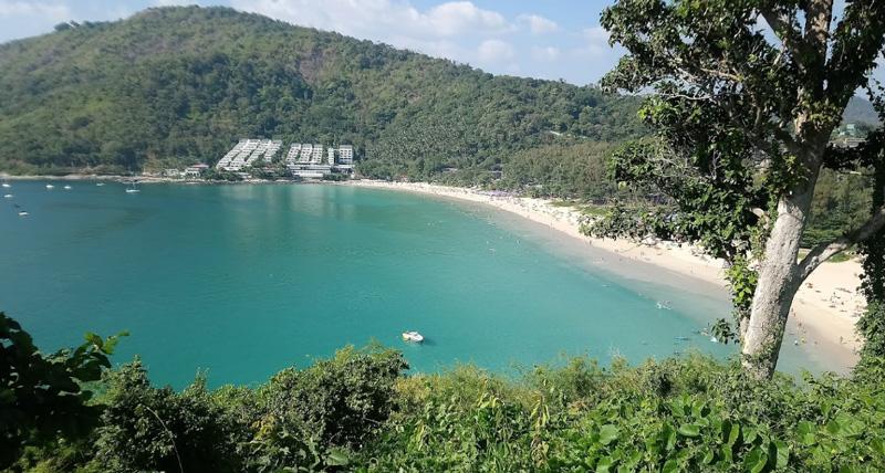 Пляж Най Харн (Nai Han Beach)