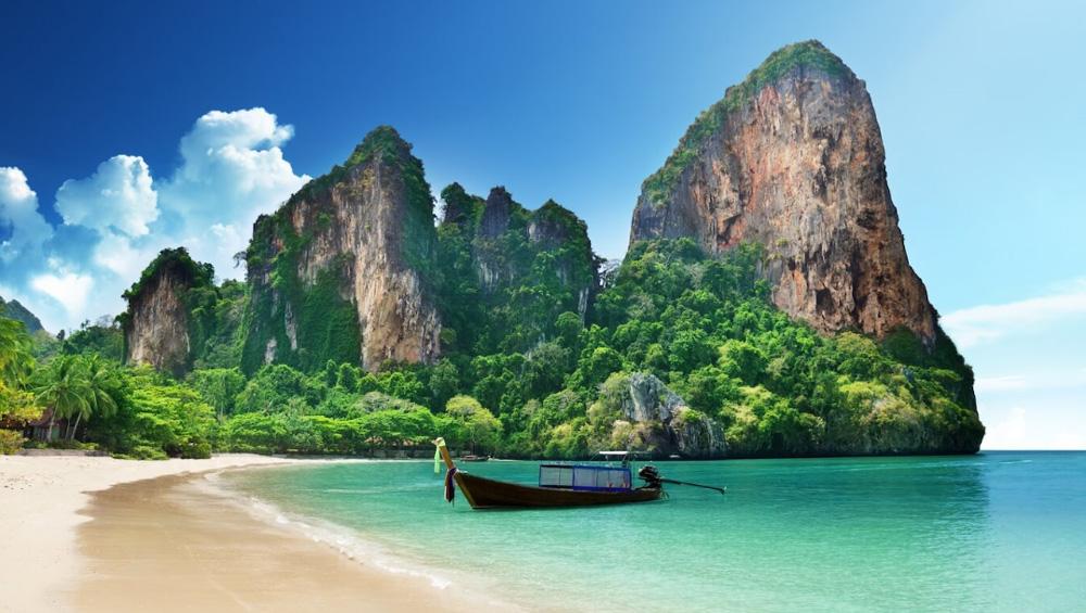 Впервые в Таиланде