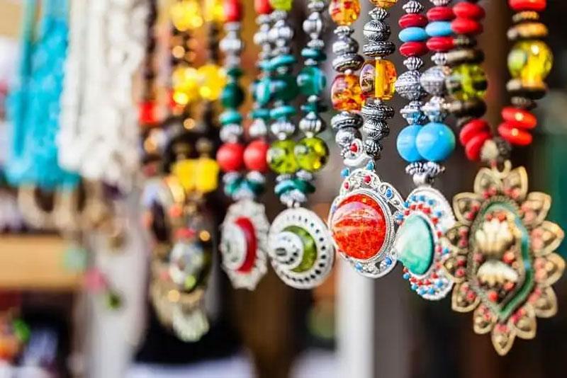 Ювелирные украшения из Тайланда.